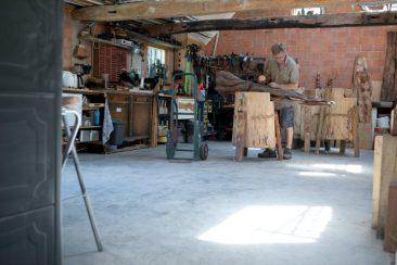 Hier zie je het houtatelier van Creapoelka
