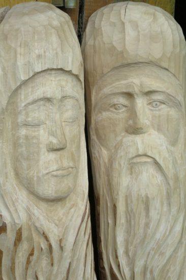 Berkenhout, houtsnijwerk, portret man en vrouw