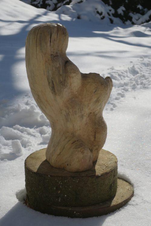 Beeldhouwen in hout in Duitsland bij Savita onder leiding van Luc Willems van Creapoelka
